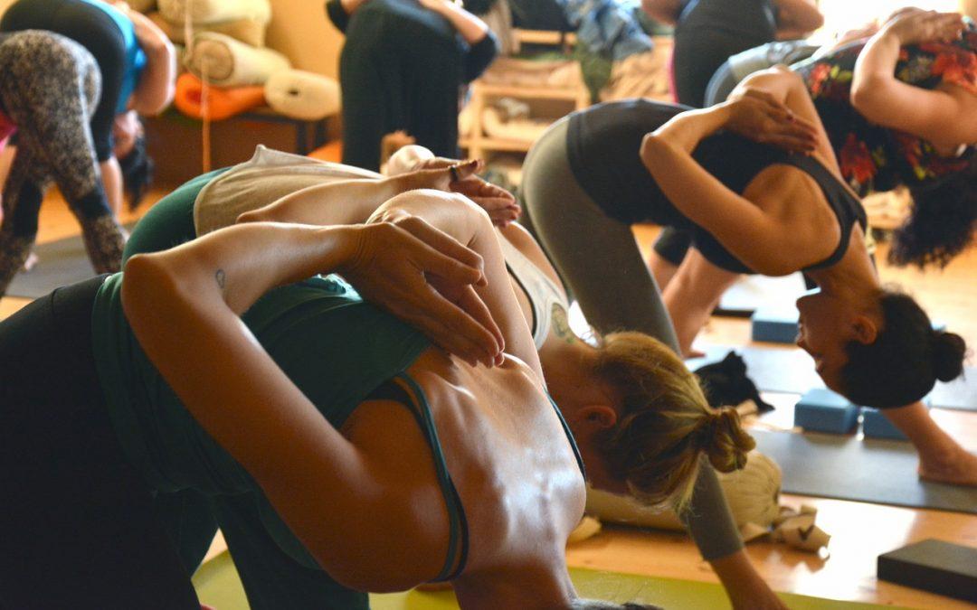 A 8 leggyakoribb kifogás a csoportos jógaórákkal kapcsolatban